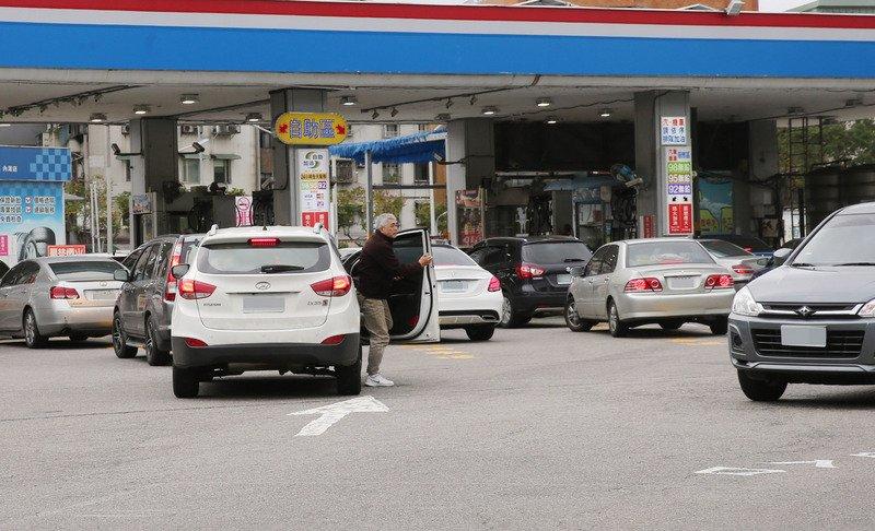 中油汽油價格不變 6日起柴油降1角