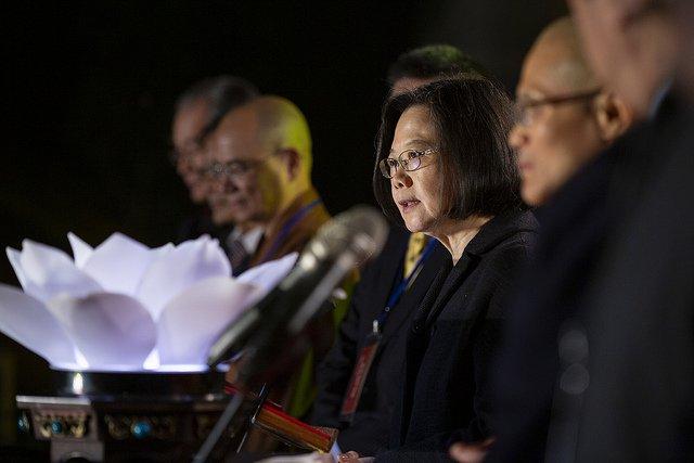 法鼓山除夕撞鐘 總統:為台灣進步發展努力