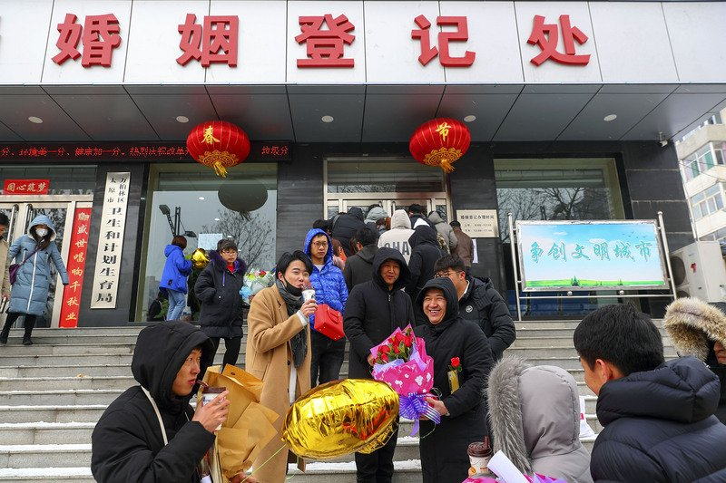 建議下修最低婚齡 中國人大代表挨轟