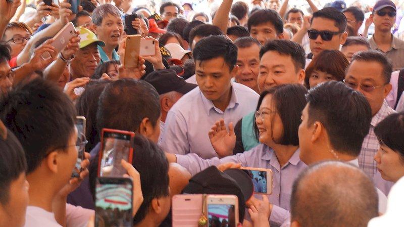 初選民調遭疑操控 蔡總統:民調隨機不可能受影響