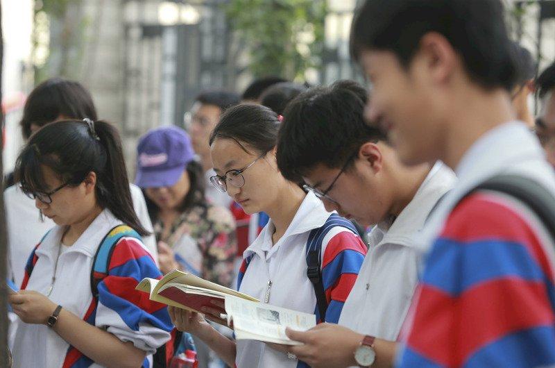 中國試場現形記 只要有辦法 自己考不上也能強佔別人的分數入學