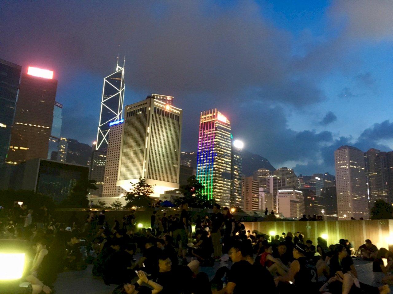 媒體人呼籲:香港人應該獲諾貝爾獎
