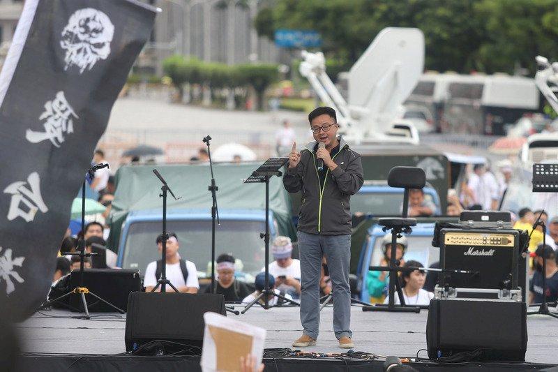 參與反親中媒體遊行 羅文嘉:捍衛台灣民主自由