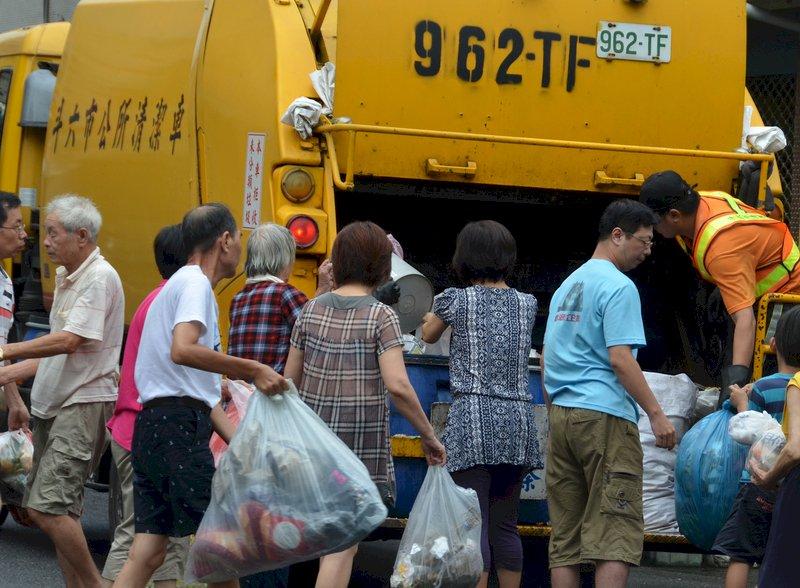借鏡台灣經驗  香港垃圾徵費動起來