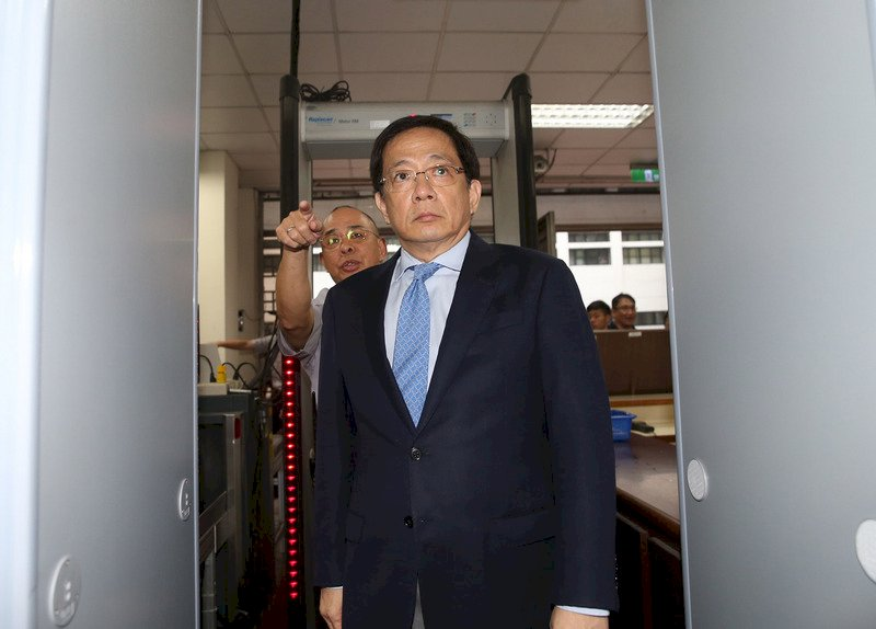 管中閔涉違法兼職案辯論終結 9/2下午宣判