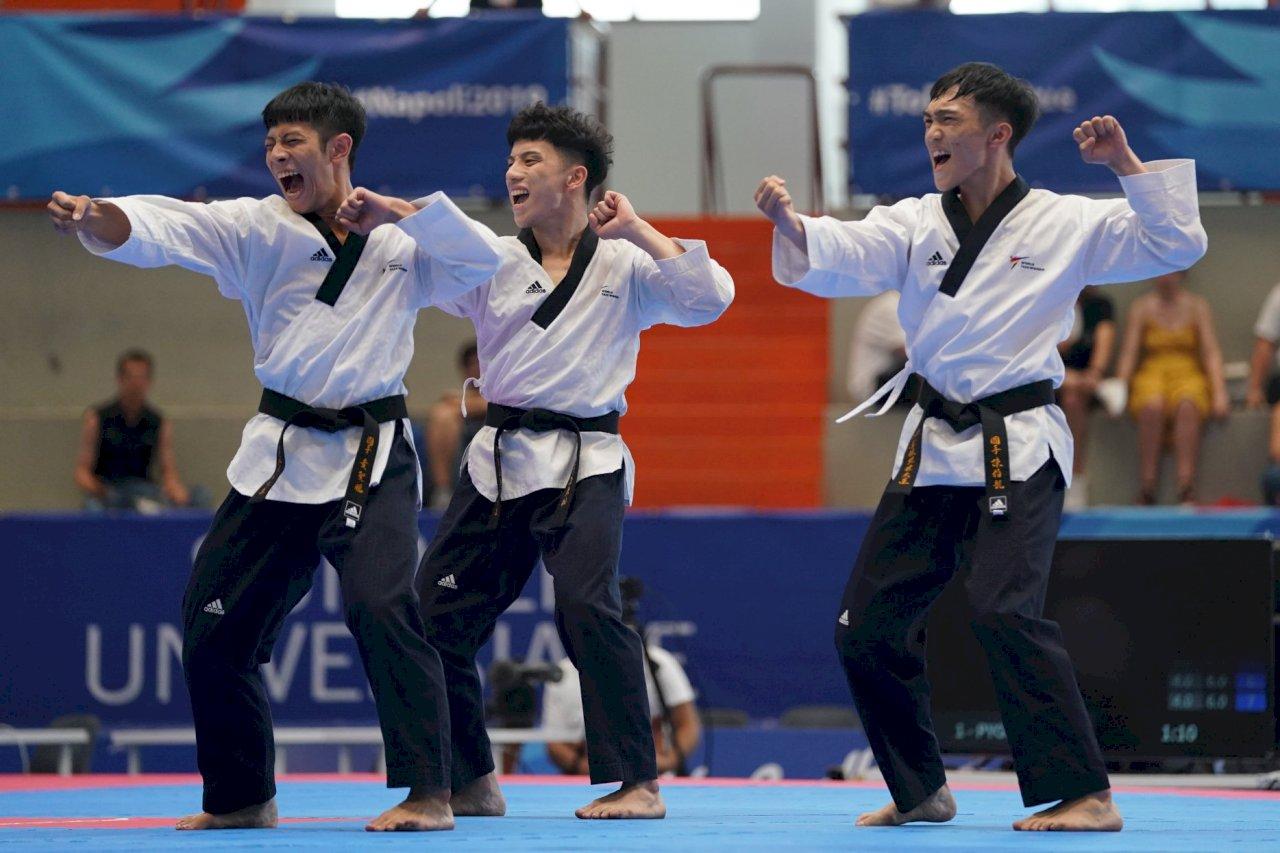 世大運跆拳道品勢 中華男女團包辦雙銀