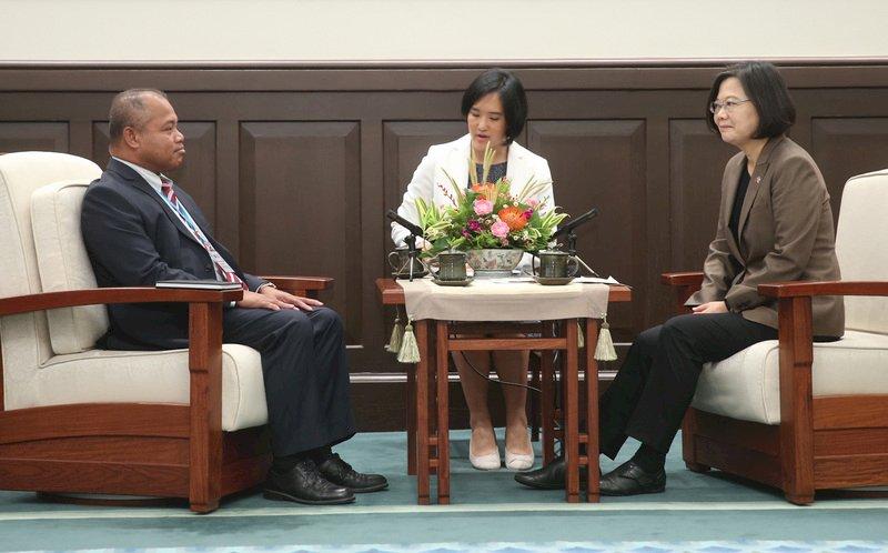 直飛航班增 蔡總統:越來越多台灣人赴帛琉旅遊