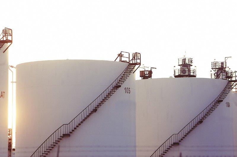 國際油價崩盤 學者:長期仍會回歸每桶50美元水位