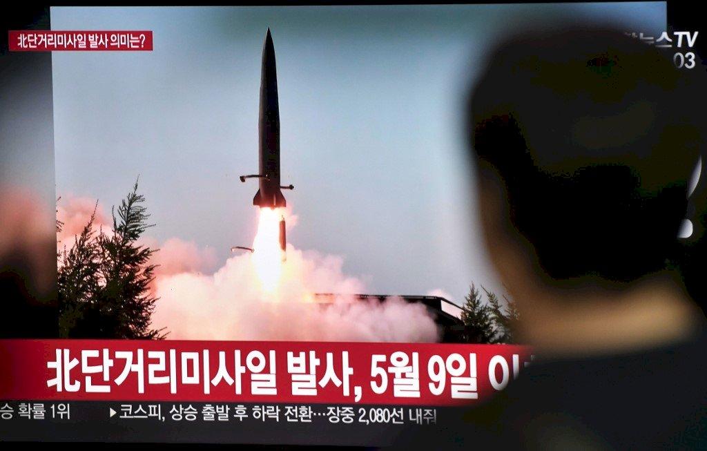 北韓疑發射2枚彈道飛彈 重啟非核會談罩陰影
