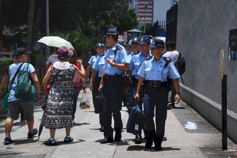 港反送中發起元朗遊行 示威者戴口罩集結