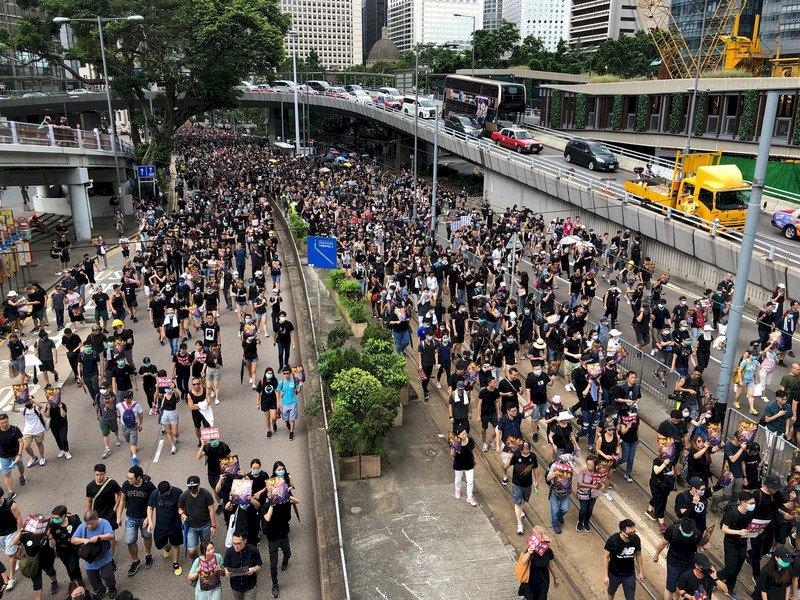 追究港警開槍責任 中環集會化為遊行