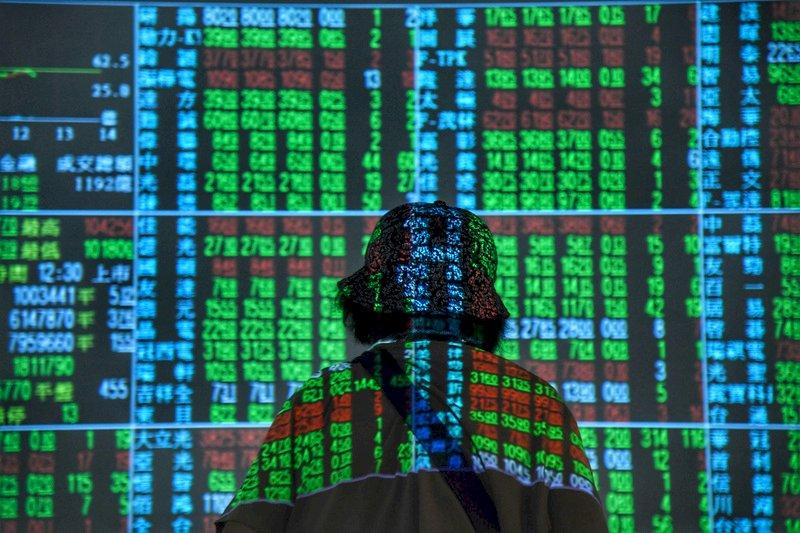 國際金融情勢詭譎 台股力守10400點大關