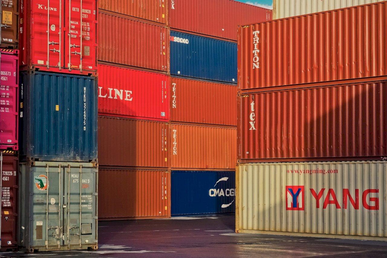 美貿易赤字6年來首見下滑
