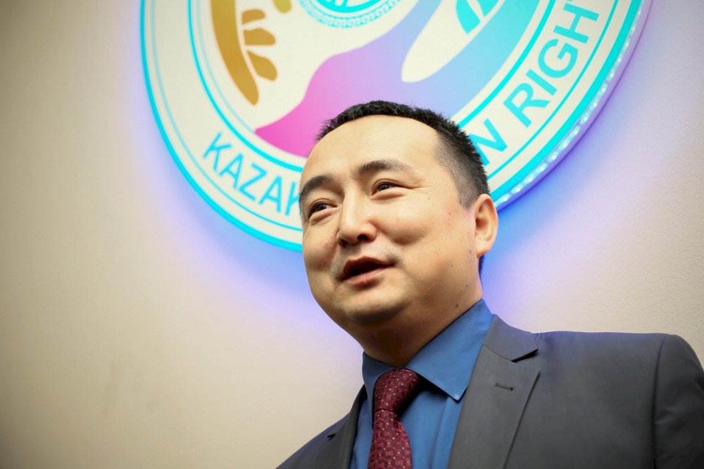 揭露新疆黑幕被捕 哈薩克人權領袖獲釋