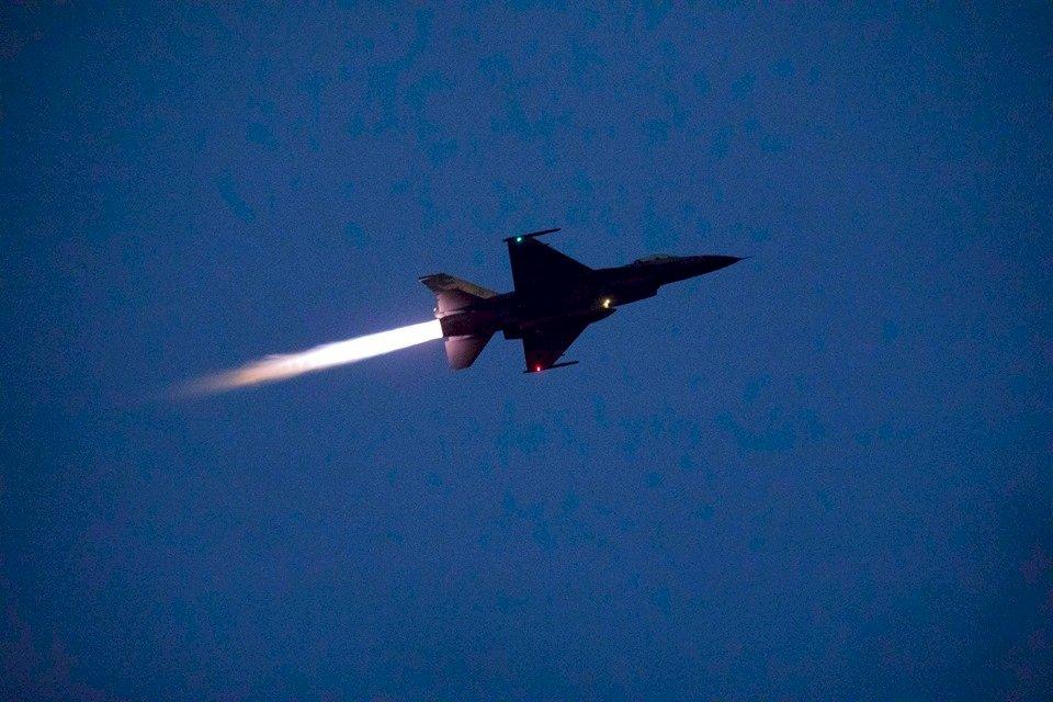 F-16光點消失花蓮外海 海空搜救中