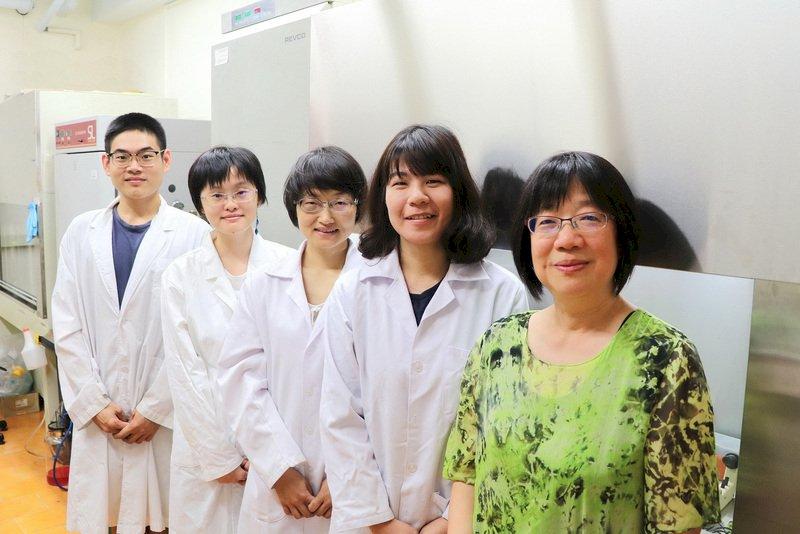 台醫學研究領先全球 幹細胞逆轉菜瓜布肺