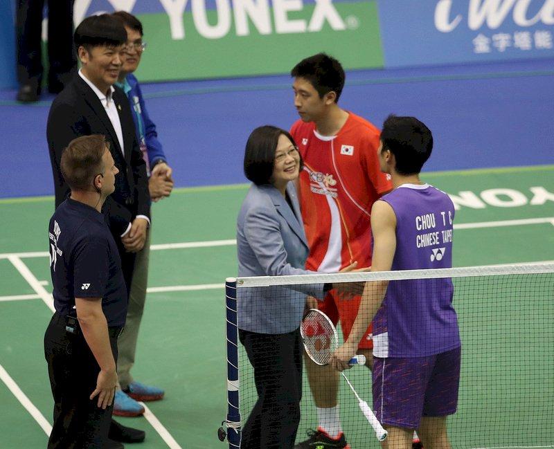 台北羽賽周天成封王 總統頒獎祝賀