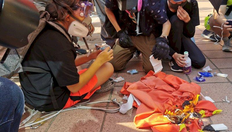 中國十一國慶難安穩 港民醞釀破壞焚燒五星旗