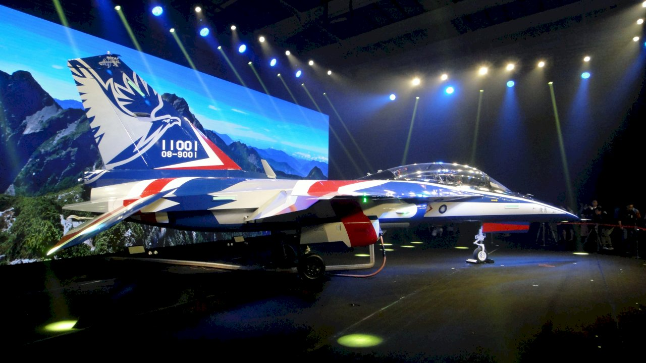 新式高教機勇鷹號今試飛  22日正式首飛