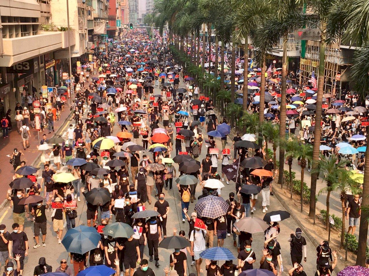 迫害者還敢惡人先告狀!港府以我干預香港事務為由擬停發駐港人員簽證 陸委會強勢回應了