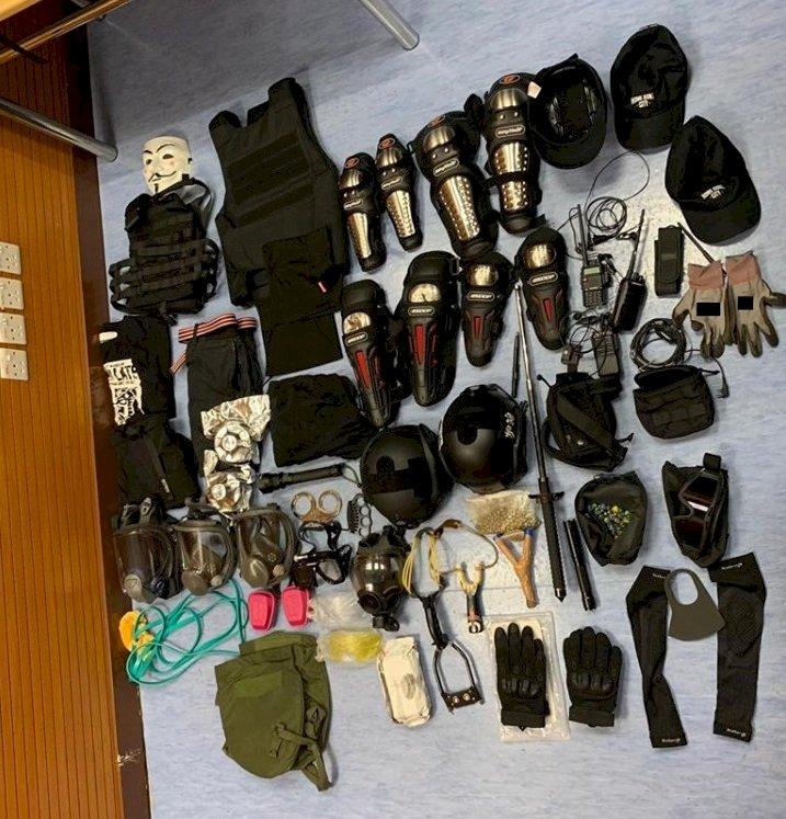 港警對反送中示威者展開大拘捕 51人被抓