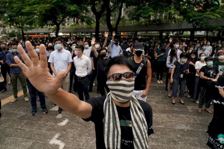 禁蒙面法宣布後 香港抗議四起