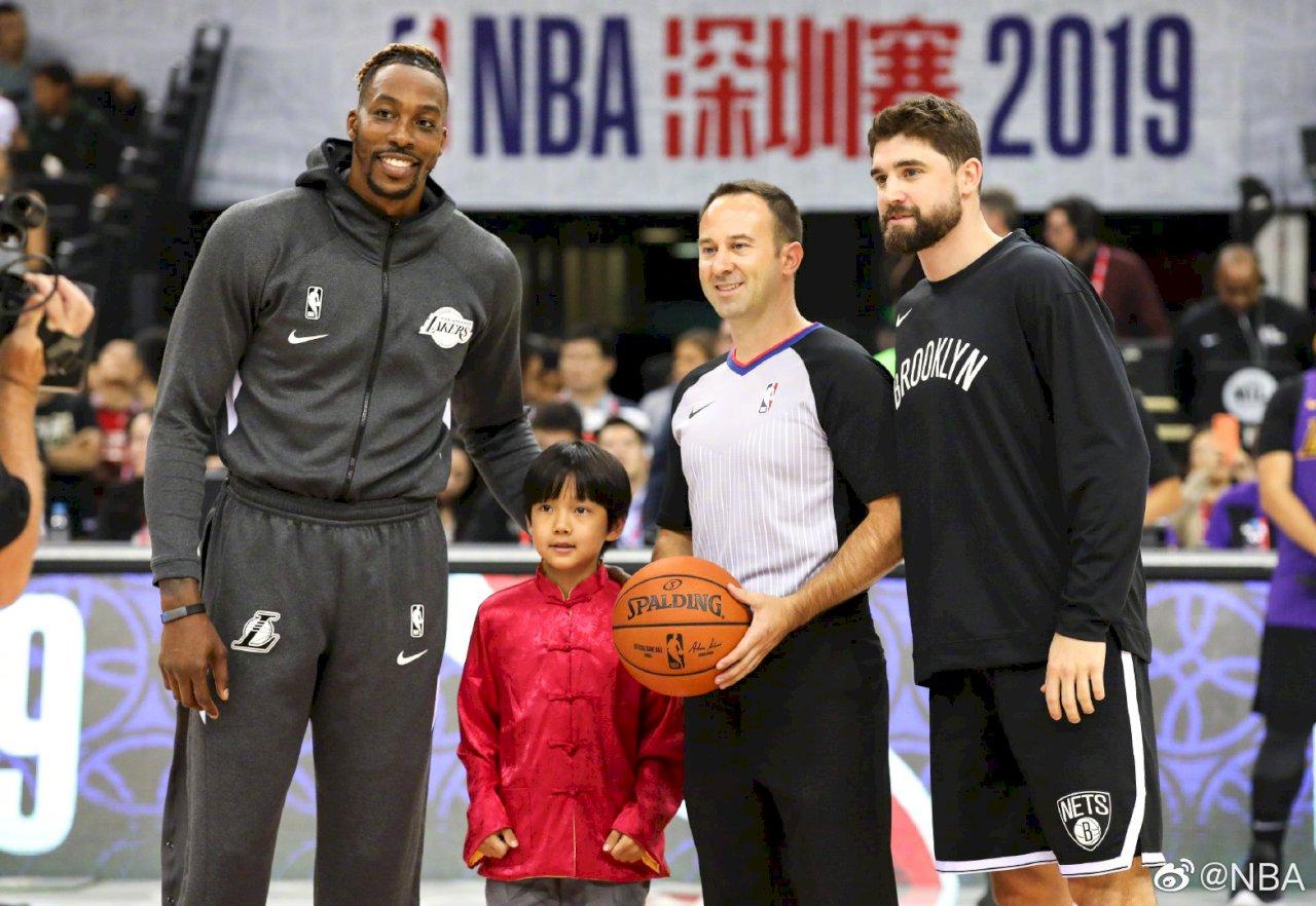 NBA深圳賽人潮眾多 週邊地鐵站人潮管制