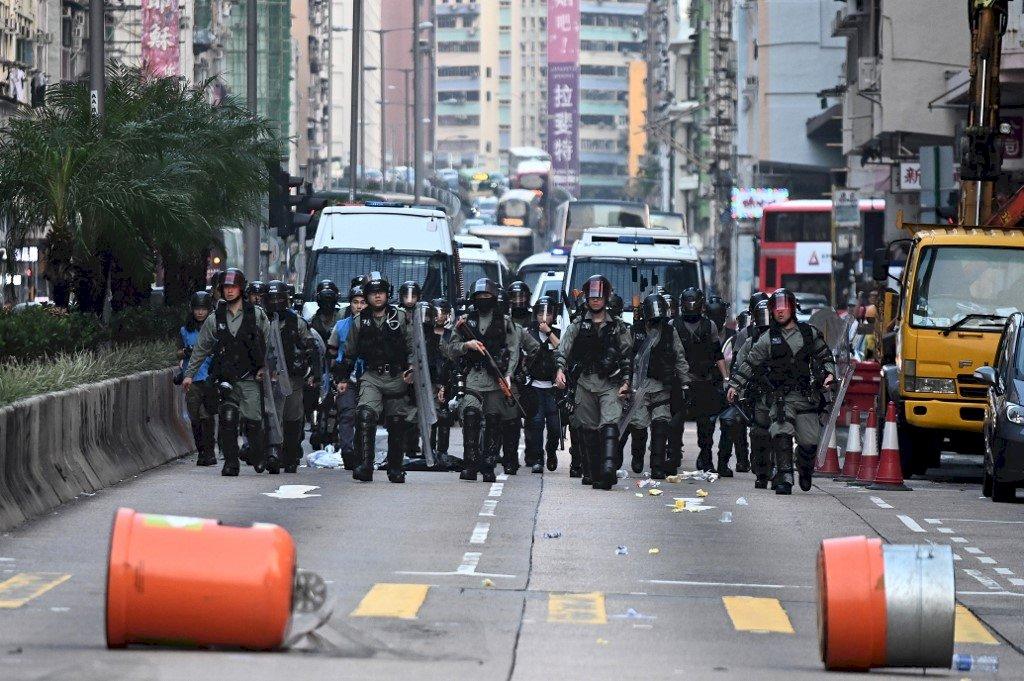 反禁蒙面示威 警方準備在長沙灣清場