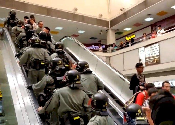 香港多區出現騷亂 防暴警察逮捕多人