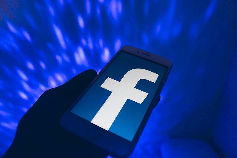 臉書對政治廣告設限 挨批不足以遏止謊言