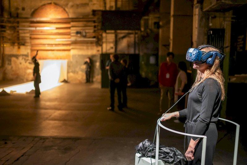 藝家留台發展 虛擬實境VR