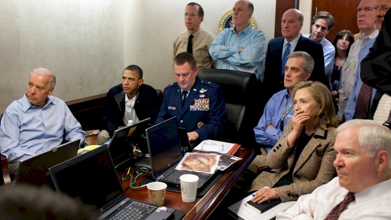 同為擊斃恐攻首腦 歐巴馬嚴肅反思川普作大秀