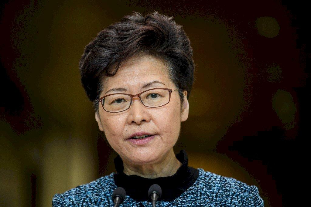 人大批香港法院禁蒙面法判決 特首:尊重