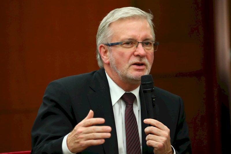 歐洲議會8議員挺台 要求世衛改正錯置中國項下