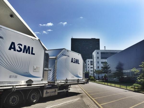 ASML 延後中國企業訂單出貨,光刻設備恐淪為貿易戰武器