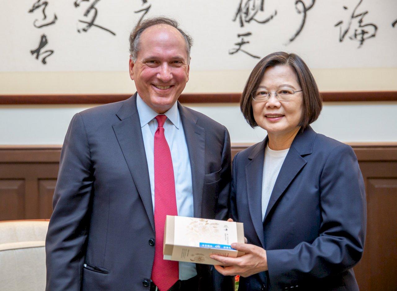 歡迎外商投資 總統:台灣金融服務與財富管理商機無窮