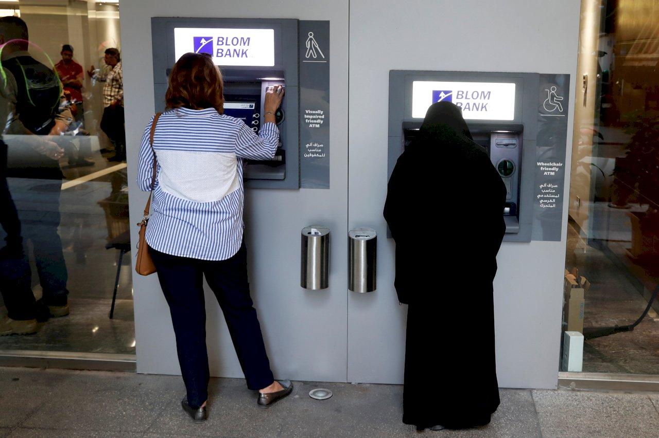 黎巴嫩深陷金融危機 央行總裁批沒人管理國家