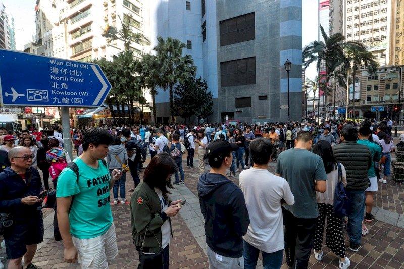 香港區議會選舉泛民大勝 學者:對政府構成壓力