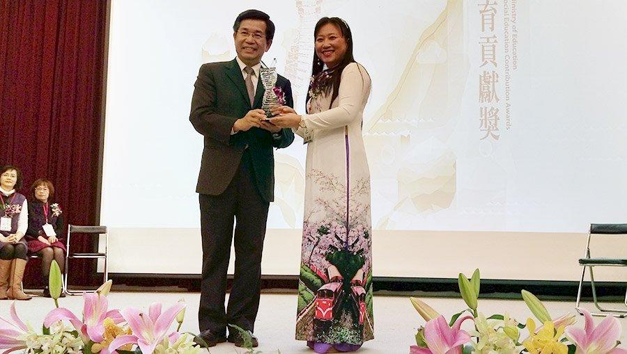 小學教師成新住民守護天使 獲社教貢獻獎