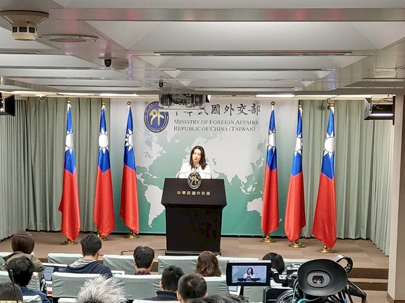 藍委告外長 外交部:民代作為民眾自有公評