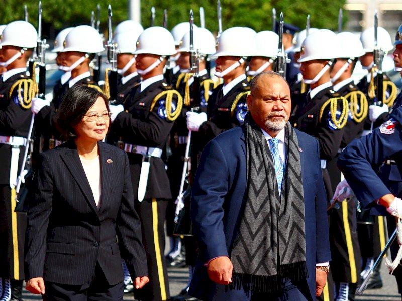 軍禮歡迎諾魯總統 蔡總統:台諾邦誼堅實友好