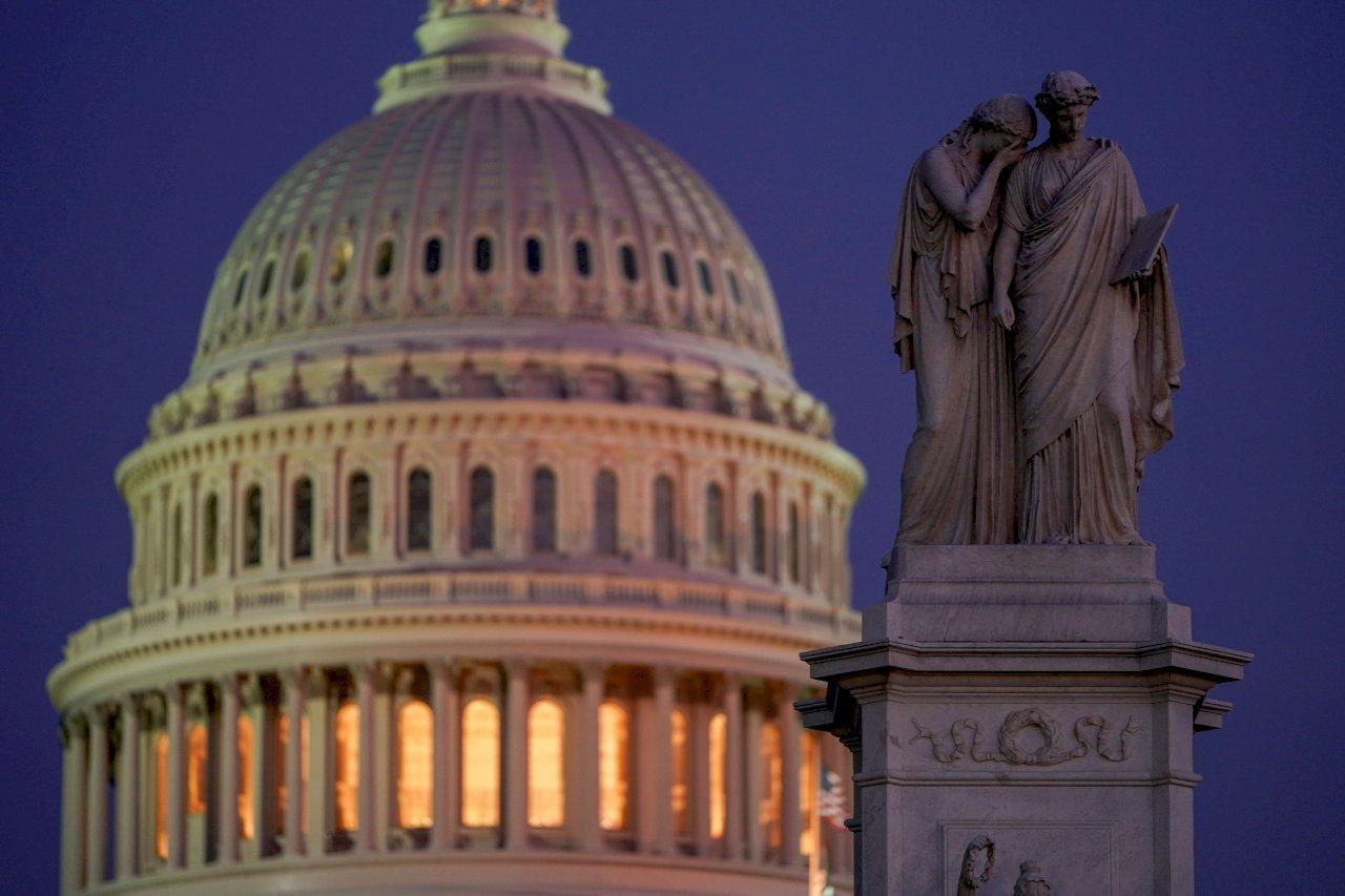 美參院通過決議 不准川普任意向伊朗宣戰