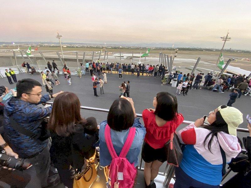 桃機戶外觀景台爆紅 飛機迷注意:耶誕節起封閉3天