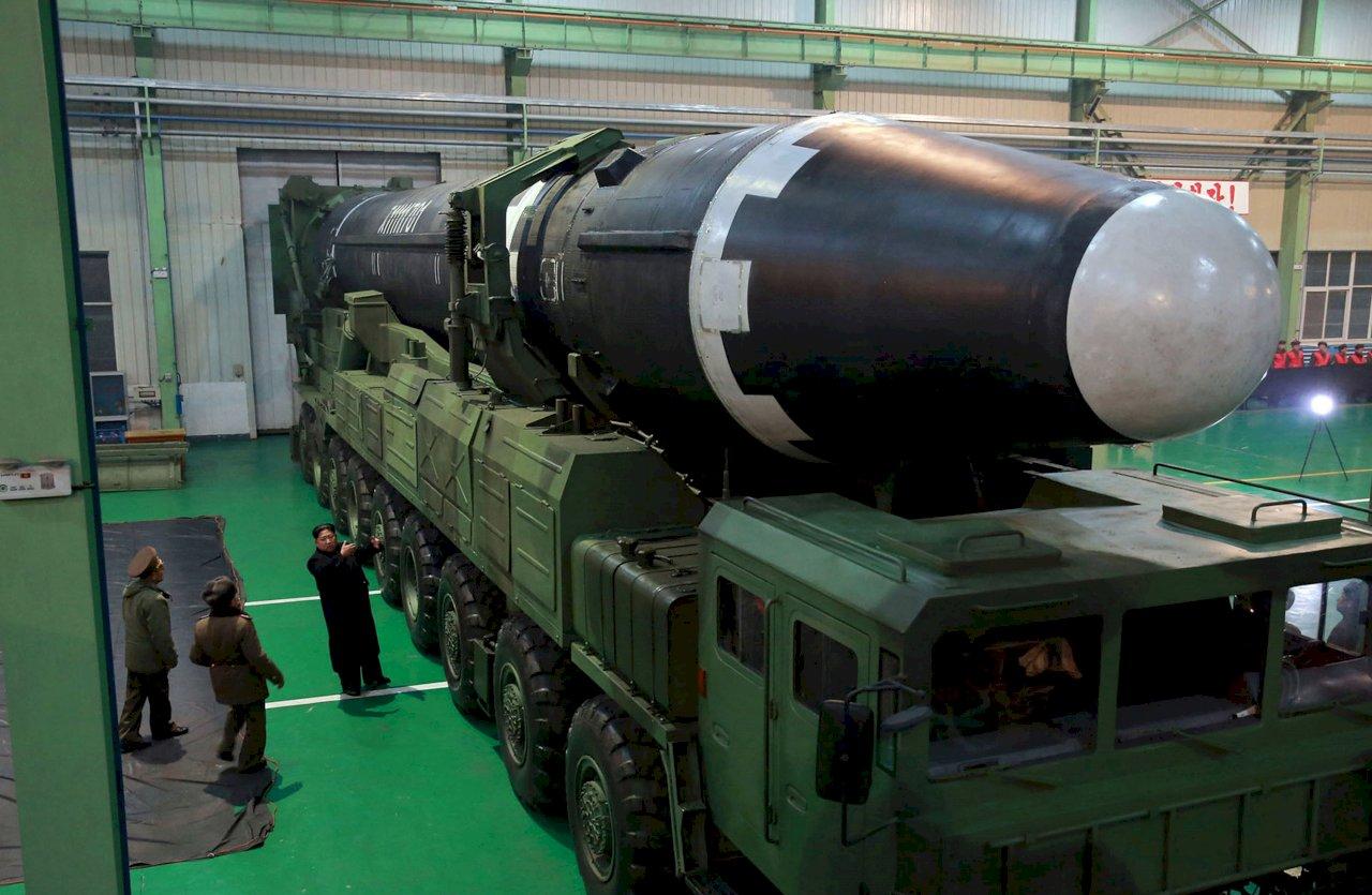 日媒:北韓量產彈道飛彈機動發射車