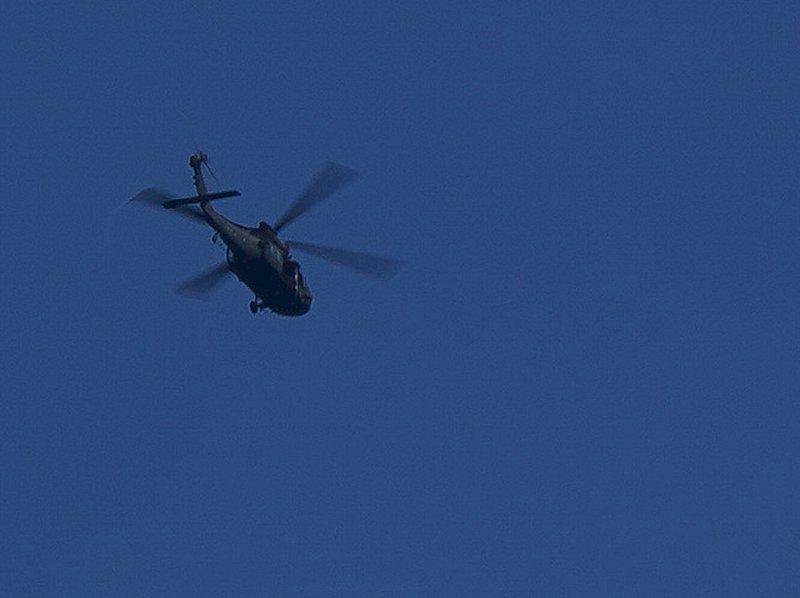 黑鷹迫降山區 首批地面搜救人員12:10抵達事故點
