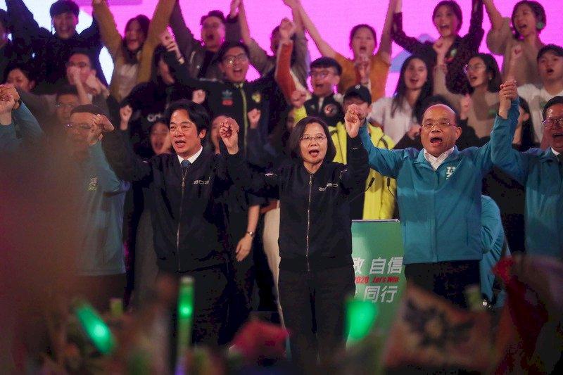 高碩泰受新聞週刊專訪 盼美派閣員參加總統就職