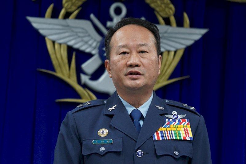 空軍:黑鷹黑盒子8日送美軍 解讀期約4週