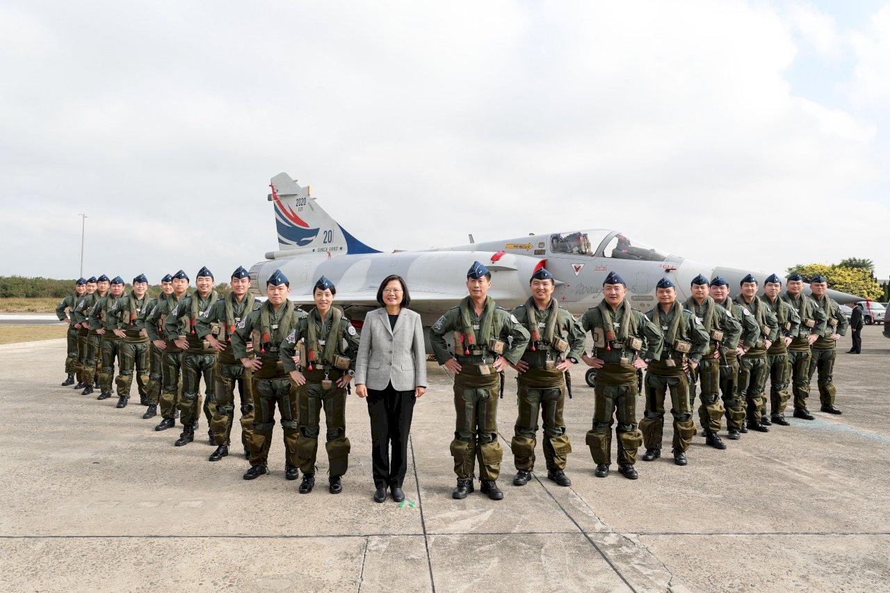 新竹空軍基地新營舍啟用 總統勉二聯隊傳承沈一鳴精神
