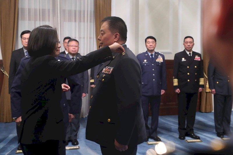 首位原住民上將徐衍璞今授階 總統勉國軍展現堅守不退決心