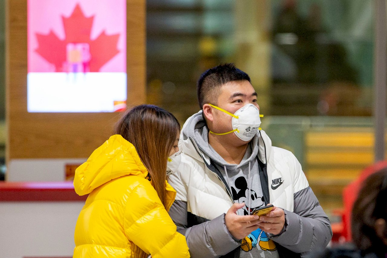 加拿大迎戰第三波疫情 確診數破100萬大關